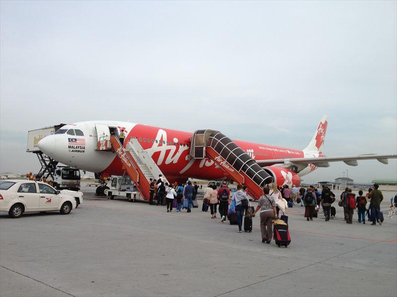 「海外で圧倒的に安い航空券を見つけるための3つのステップ」のアイキャッチ画像