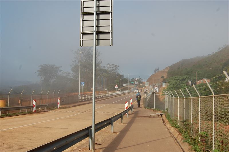 【ルワンダ・タンザニア国境】ルスーモ国境