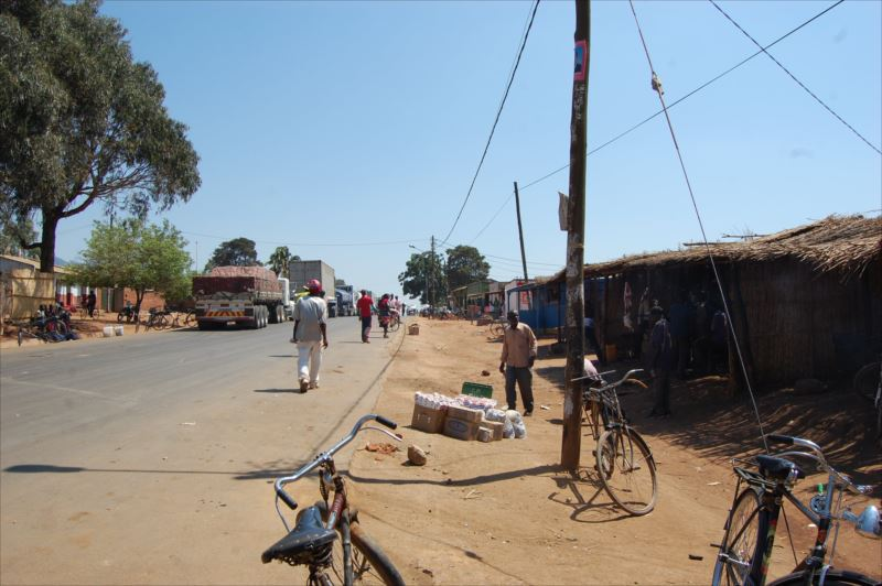 「【リロングウェ⇒モザンビーク・テテ】警察に頼れない国へ」のアイキャッチ画像