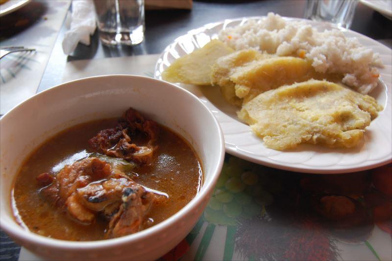 【カンパラ】ウガンダ料理マトケ