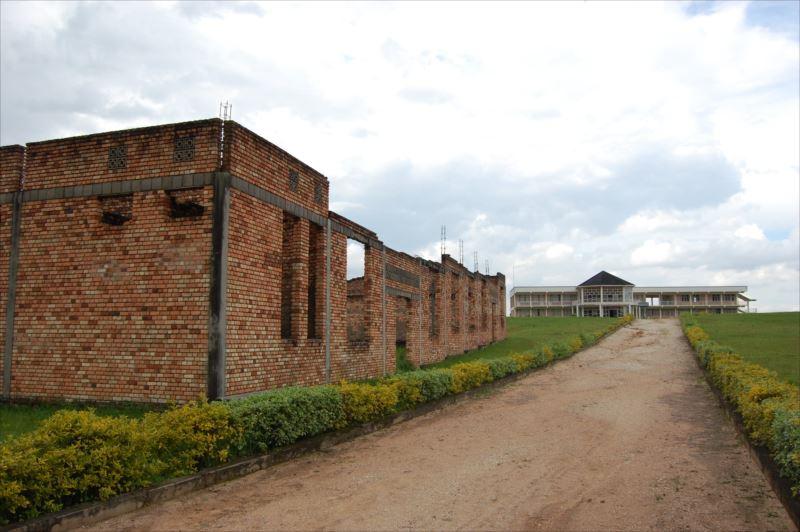 「【ニャマガベ(ギコンゴロ)】ムワンビ虐殺記念館へ」のアイキャッチ画像