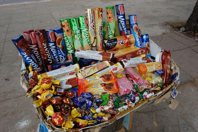 【マプト】路上のお菓子屋さん