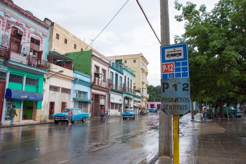 【ハバナ】旧市街のバス停