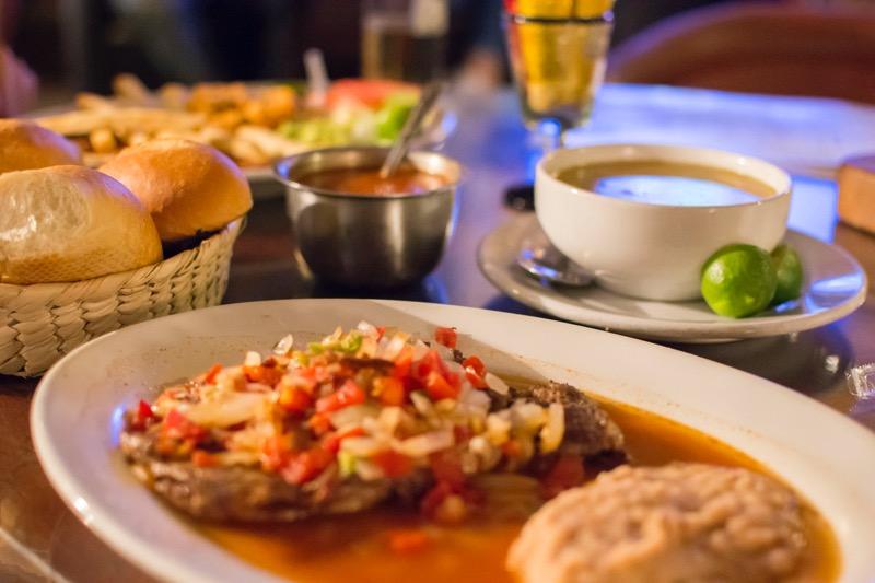 「グアナファトのレストラン情報。メルカドからお洒落レストランまで。」のアイキャッチ画像