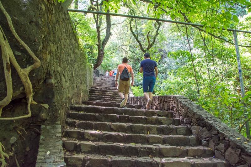 【テポストラン】エル・テポステコ国立公園のピラミッドへ