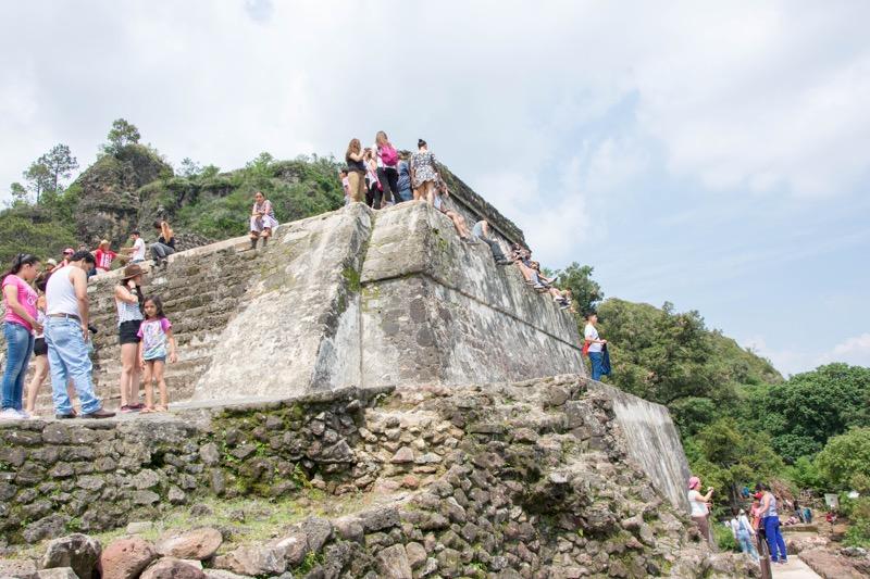 【テポストラン】エル・テポステコ国立公園のピラミッド