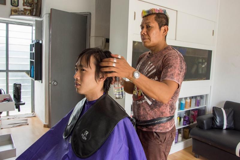 「海外散髪シリーズ第4弾。メキシコで髪を切ったらイジリー岡田風になった。」のアイキャッチ画像
