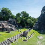ジャングルに昇る朝日が幻想的。マヤ文明最大の神殿都市遺跡、密林の中のティカル遺跡へ。最安のサンライズツアーも紹介。