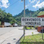 グアテマラ/ホンジュラス国境越え|アンティグア→コパン・ルイナスのシャトルバス移動まとめ。