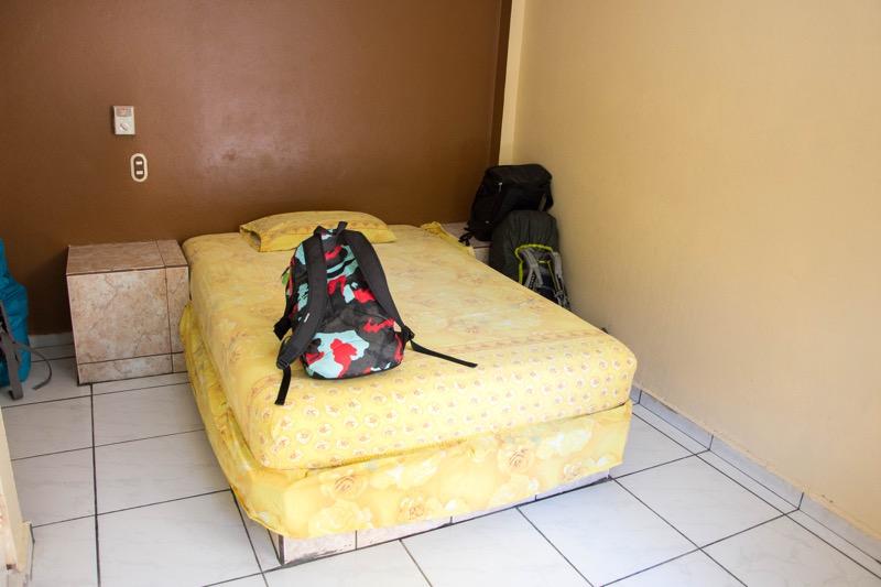 サンミゲルの安宿|Hotel Centinela