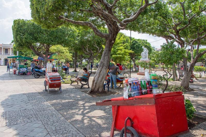 ニカラグア・グラナダ|コロン公園