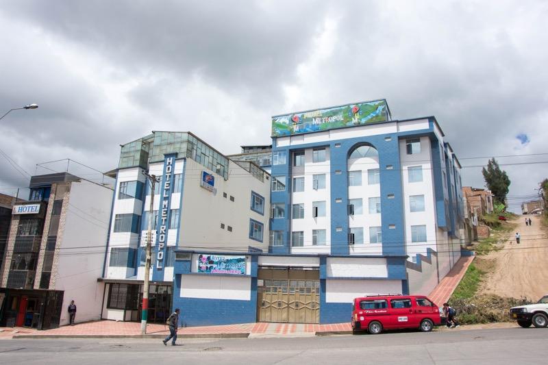 イピアレスの安宿|HOTEL METROPOLE