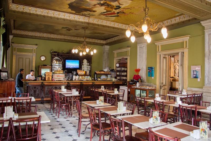 サンホセ|国立劇場のカフェ