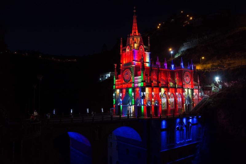 コロンビア・イピアレス ラス・ラハス教会のライトアップ