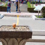 赤道記念碑・博物館にある赤道はどちらも偽物だった!本物の赤道が通る穴場スポットを紹介。キト新市街から赤道記念碑・博物館への行き方。