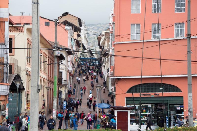 キト|新市街から旧市街への行き方