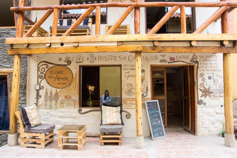 オリャンタイタンボのカフェ