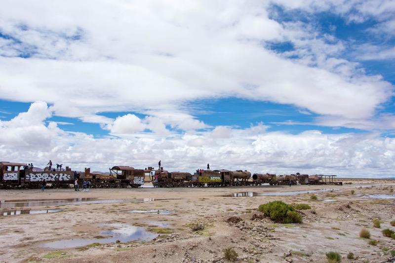 ウユニ塩湖1日ツアー|列車の墓場