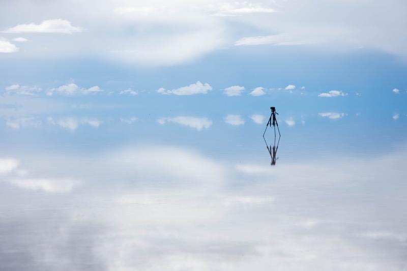 ウユニ塩湖|雨季の鏡張り