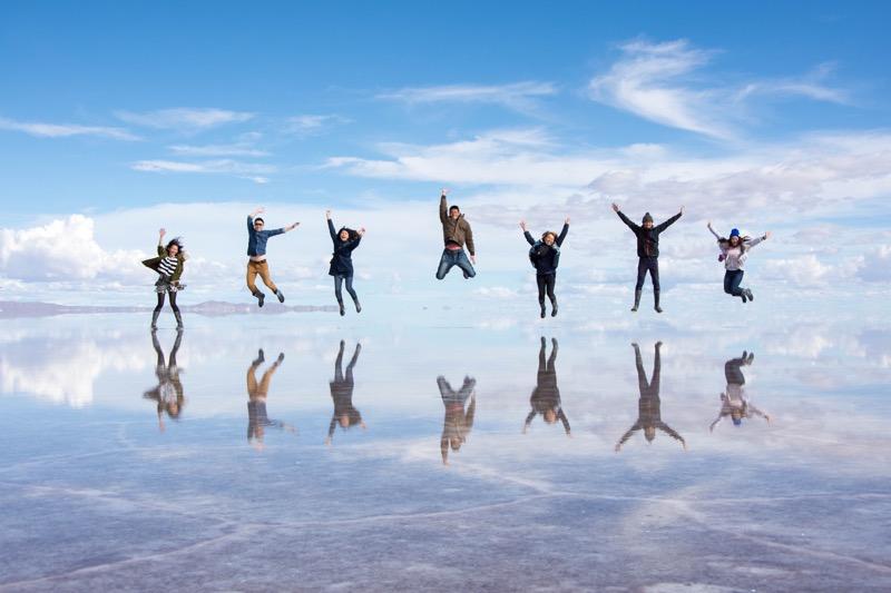 ウユニ塩湖1日ツアー|トリック写真