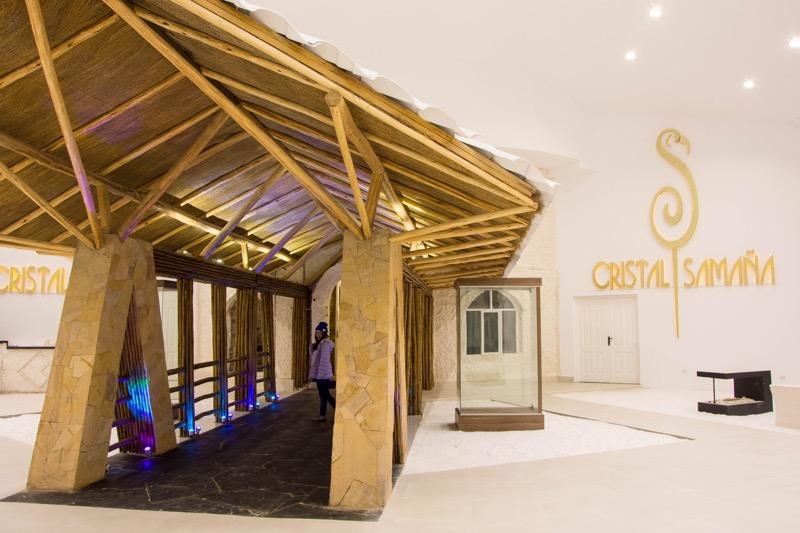 ウユニ塩湖の塩のホテル|「Hotel de Sal Cristal Samaña