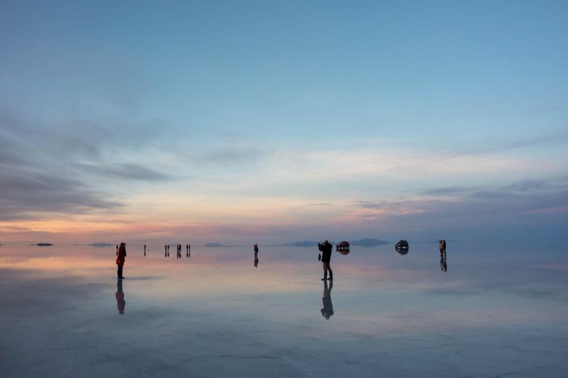 ウユニ塩湖サンライズツアー