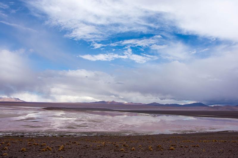 ウユニ→アタカマ抜け2泊3日ツアー2日目|赤い湖ラグーナ・コロラダ