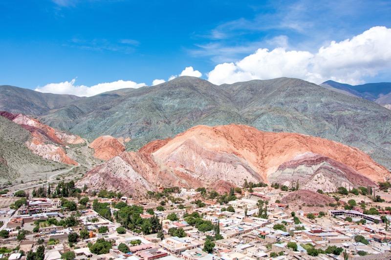 プルママルカの虹色の丘