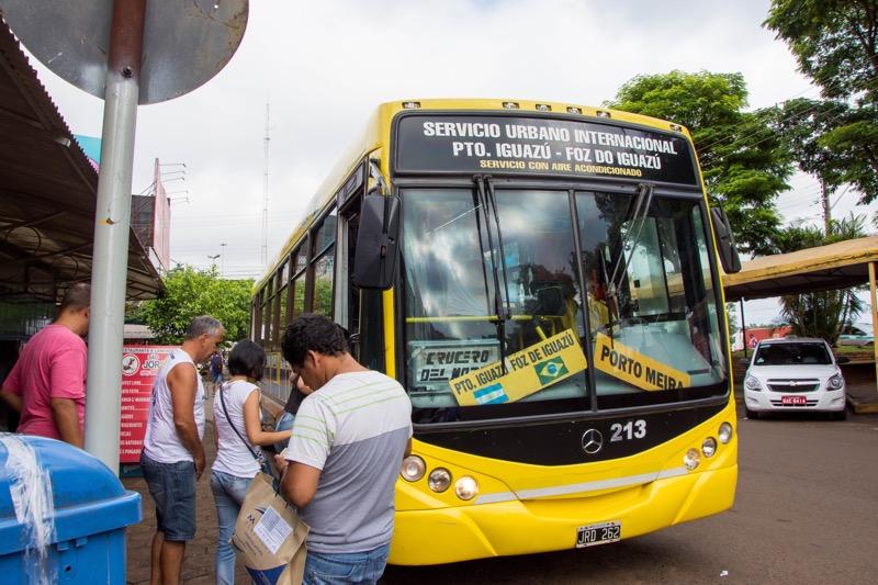 フォス・ド・イグアス→プエルト・イグアスのバス