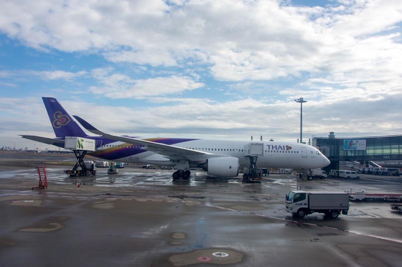中国国際航空ビジネスクラス|羽田→北京の隣のタイ航空
