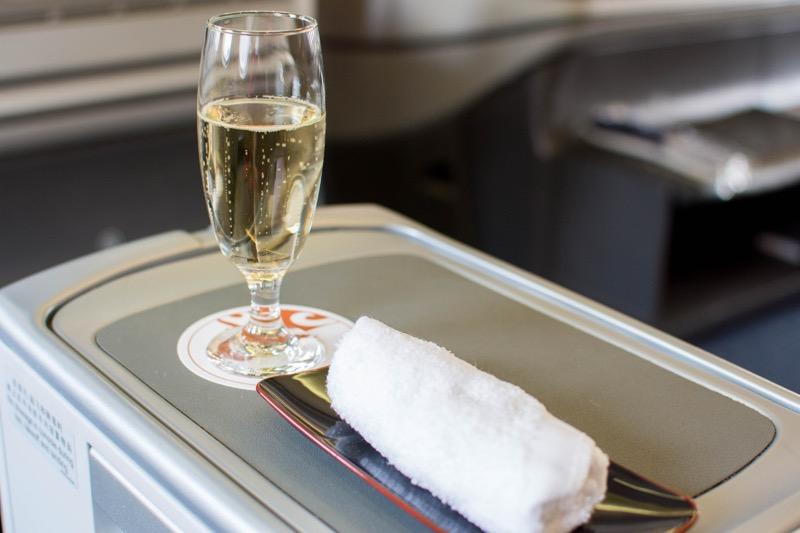 中国国際航空ビジネスクラス|北京→クアラルンプールのウェルカムドリンク
