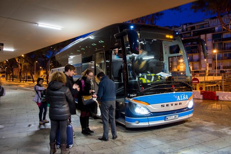 「スペインのルート|バルセロナ→グラナダのバス移動まとめ。」のアイキャッチ画像